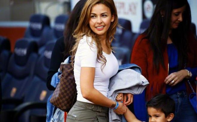 Vợ thủ môn 'bom tấn' Man City mắng cả đội Chile