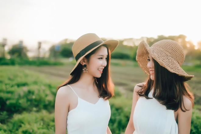 Lại thêm một cặp chị em song sinh 9x siêu dễ thương đến từ Nghệ An - Ảnh 5.