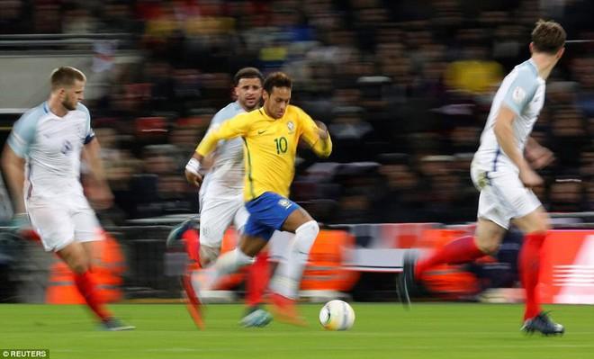Neymar bất lực, Brazil hòa không bàn thắng với Anh trên sân Wembley - Ảnh 7.