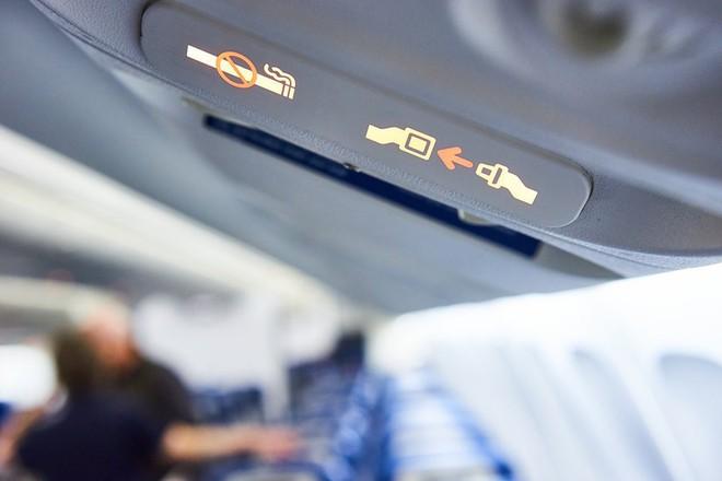"""1001 chuyện """"dở khóc dở cười"""" trên máy bay được chính tiếp viên hàng không tiết lộ - Ảnh 5."""