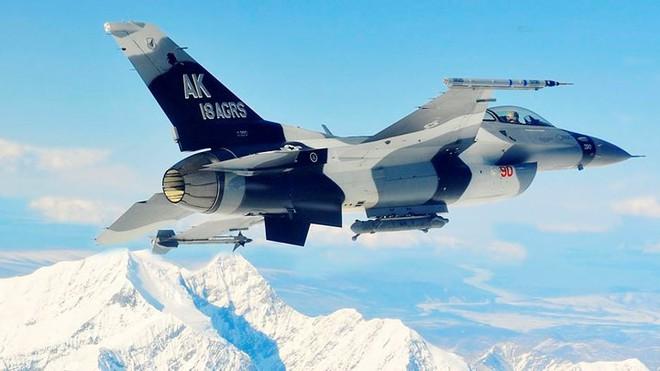 Cận cảnh 12 chiến đấu cơ bay nhanh nhất trong lịch sử quân đội Mỹ - Ảnh 5.