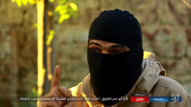 IS giãy giụa ở Raqqa, điên cuồng đánh bom tự sát - Ảnh 6.
