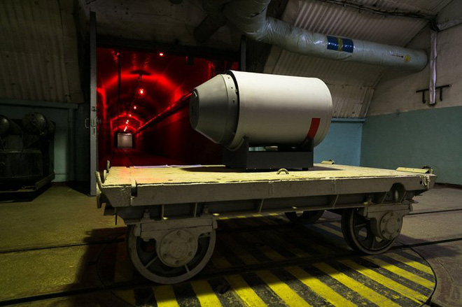 Có gì bên trong căn cứ tàu ngầm tuyệt mật dưới lòng đất của Liên Xô tại Crưm? - Ảnh 6.