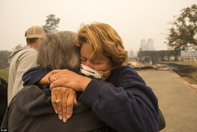 Cháy rừng ở California: Cứ như bị tấn công hạt nhân - Ảnh 6.