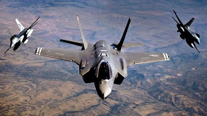 Cận cảnh 12 chiến đấu cơ bay nhanh nhất trong lịch sử quân đội Mỹ - Ảnh 6.