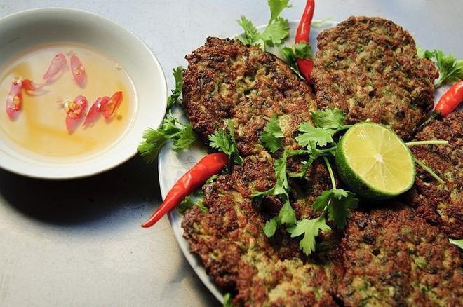 Những món ăn côn trùng kinh dị không phải ai cũng dám thử, đặc sản Việt Nam cũng góp mặt trong đó - Ảnh 6.