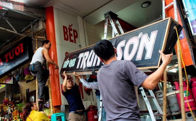Nhà mặt phố ở Hà Tĩnh ủng hộ dọn dẹp vỉa hè