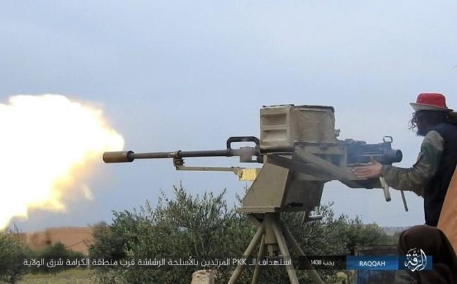IS giãy giụa ở Raqqa, điên cuồng đánh bom tự sát