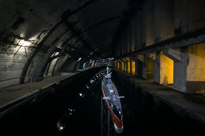 Có gì bên trong căn cứ tàu ngầm tuyệt mật dưới lòng đất của Liên Xô tại Crưm? - Ảnh 7.