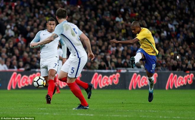 Neymar bất lực, Brazil hòa không bàn thắng với Anh trên sân Wembley - Ảnh 9.