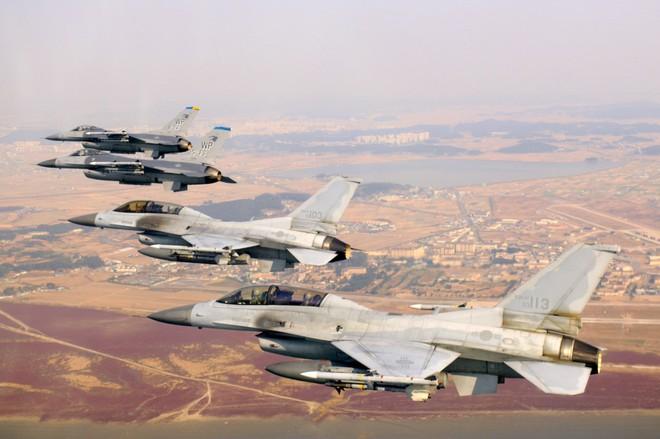 Những vũ khí Hàn Quốc có thể đối phó với Triều Tiên - Ảnh 8.