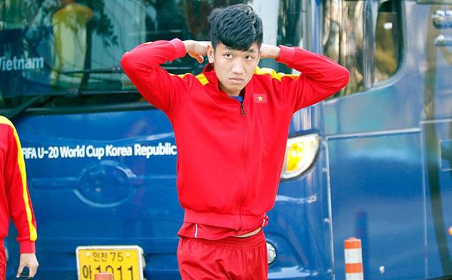 Hot boy U20 VN khiến HLV Hoàng Anh Tuấn âu lo