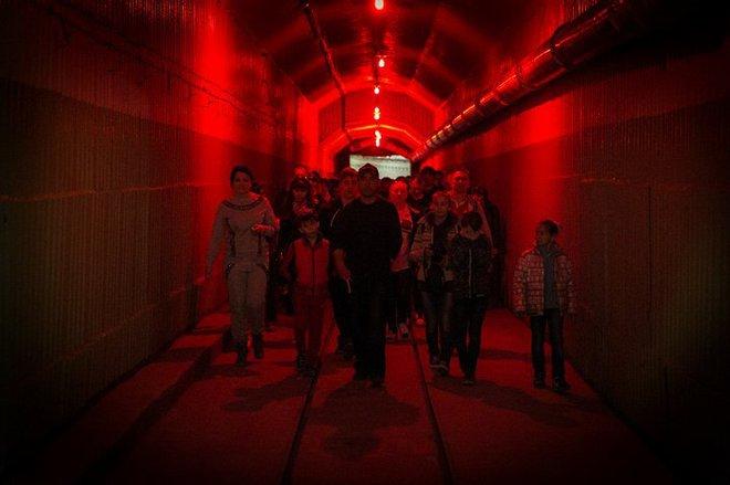Có gì bên trong căn cứ tàu ngầm tuyệt mật dưới lòng đất của Liên Xô tại Crưm? - Ảnh 8.
