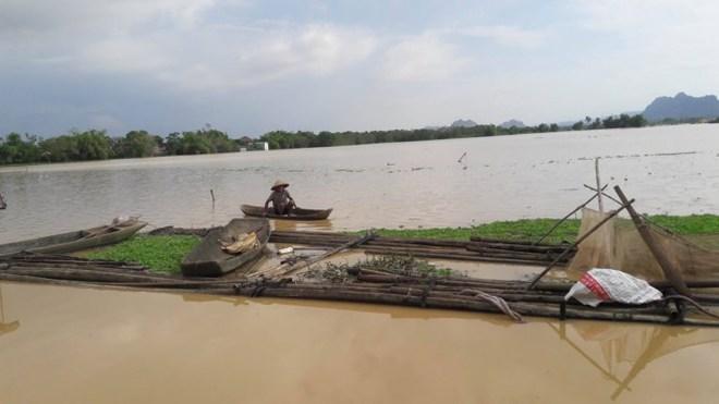 Hình ảnh nước ngập trắng vùng sau sự cố vỡ đê ở Hà Nội - Ảnh 8.