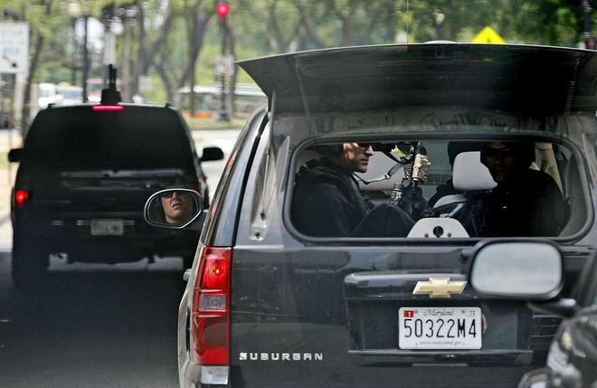 Đội hình xe hộ tống Tổng thống Mỹ: Vì sao được gọi là Nhà Trắng bọc thép di động? - Ảnh 9.