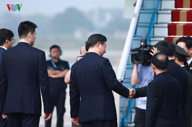 Ảnh: Chủ tịch Trung Quốc rời Hà Nội, kết thúc chuyến thăm Việt Nam - Ảnh 8.
