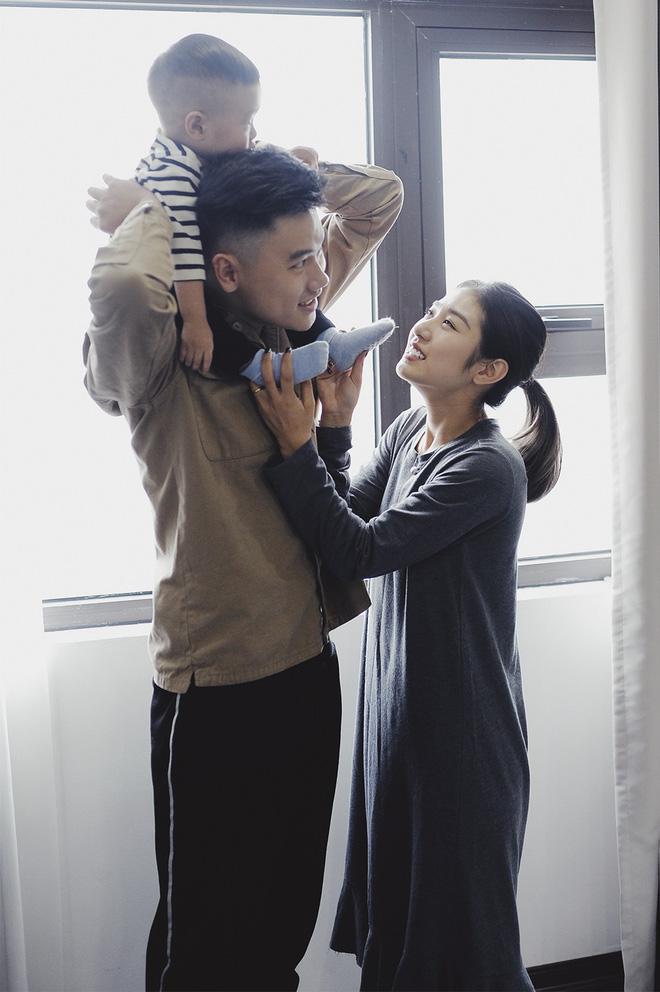 Gia đình trong mơ Trang Lou - Tùng Sơn: Có con là điều khó khăn nhất nhưng cũng hạnh phúc nhất! - Ảnh 9.