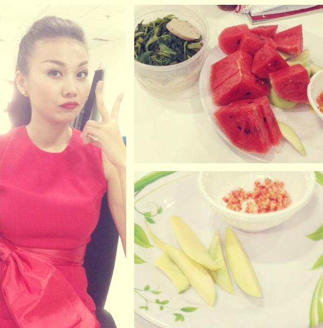Những bữa ăn đạm bạc và tạm bợ của siêu mẫu Thanh Hằng sau hào quang - Ảnh 9.
