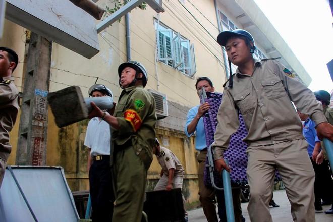 Nhà mặt phố ở Hà Tĩnh ủng hộ dọn dẹp vỉa hè - Ảnh 10.