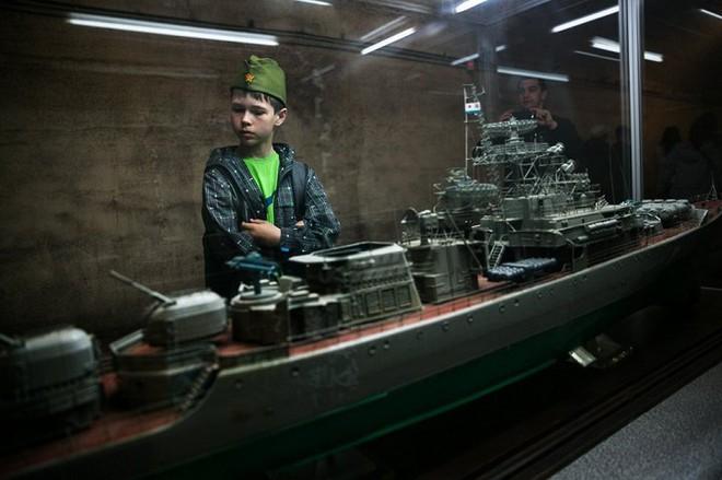 Có gì bên trong căn cứ tàu ngầm tuyệt mật dưới lòng đất của Liên Xô tại Crưm? - Ảnh 10.