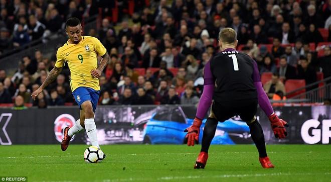 Neymar bất lực, Brazil hòa không bàn thắng với Anh trên sân Wembley - Ảnh 12.