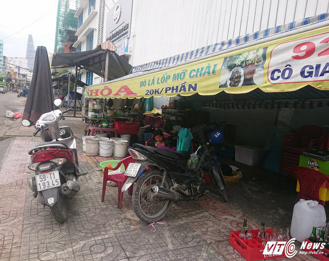 Vắng bóng ông Đoàn Ngọc Hải, vỉa hè quận 1 biến thành chợ - Ảnh 11.