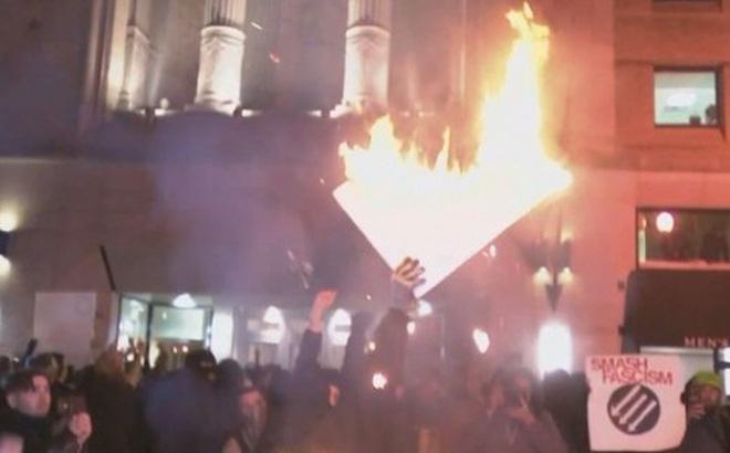 Biểu tình chống ông Trump biến thành bạo loạn tại Washington