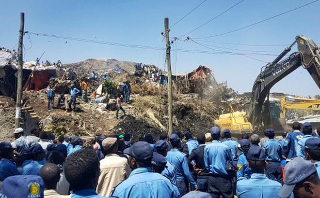Bị núi rác chôn vùi, 48 người chết