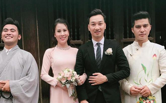 MC Thành Trung rạng rỡ trong buổi lễ hằng thuận với bạn gái Ngọc Hương