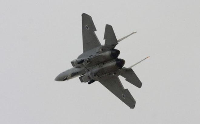 """Mặc Syria phản ứng, Israel """"tiếp tục không kích"""""""