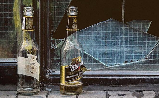 Các nhà khoa học đã thử ném bom nguyên tử vào bia và soda để xem chúng có còn uống được không