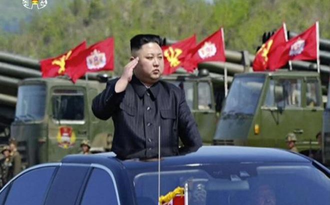Lãnh đạo Triều Tiên Kim Jong-un đến thăm một đơn vị quân đội Triều Tiên.
