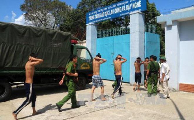 Bà Rịa-Vũng Tàu: Truy tố ba đối tượng gây rối, kích động học viên bỏ trốn
