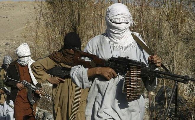 """Sputnik: IS tuyên chiến với Taliban vì đã """"phản bội Hồi giáo"""""""