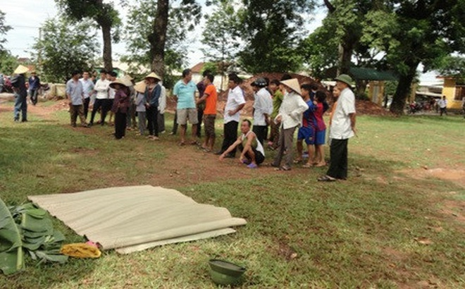 Hai anh em ruột chết đuối tại hố công trình ở trường học