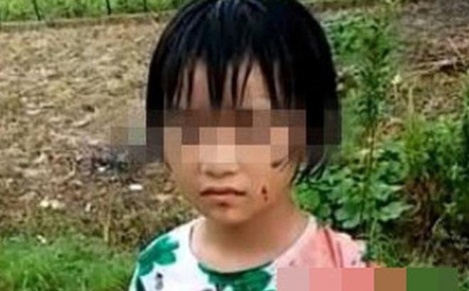 Kết quả hình ảnh cho Cô giáo đi ra ngoài, bé gái 8 tuổi bị người lạ đột nhập vào lớp học bắt cóc đem đi