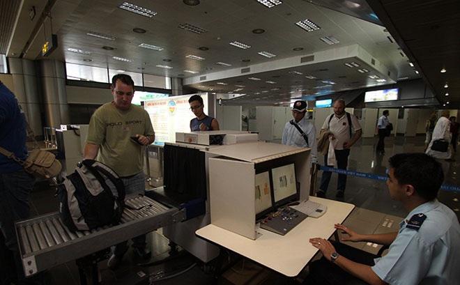Lật tẩy thủ đoạn thẩm lậu ma túy qua quà biếu gửi đường hàng không