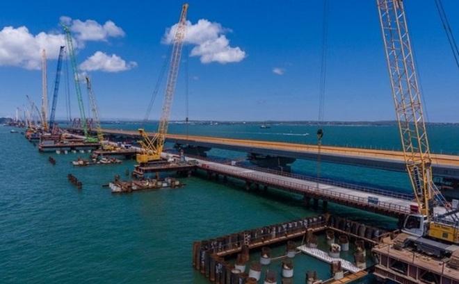 Ukraine đệ đơn kiện Nga vì xây cầu ở Crimea