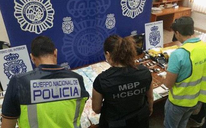 Đường dây mại dâm rao bán trinh tiết ở Tây Ban Nha