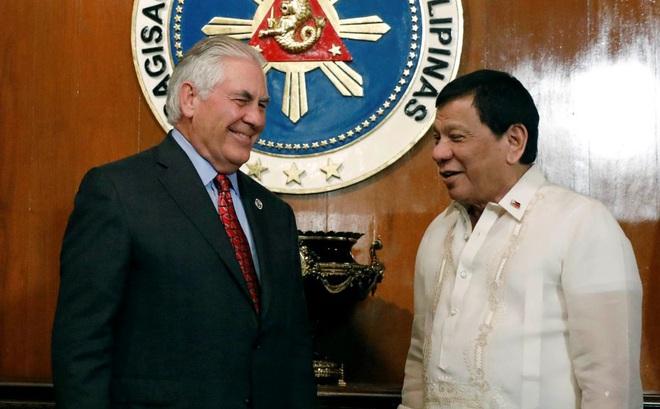 Tổng thống Philippines Duterte đột ngột quay ngoắt thái độ với Mỹ