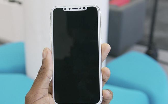 """""""Ông đồng Apple"""": iPhone 8 hoàn toàn phụ thuộc vào Samsung"""