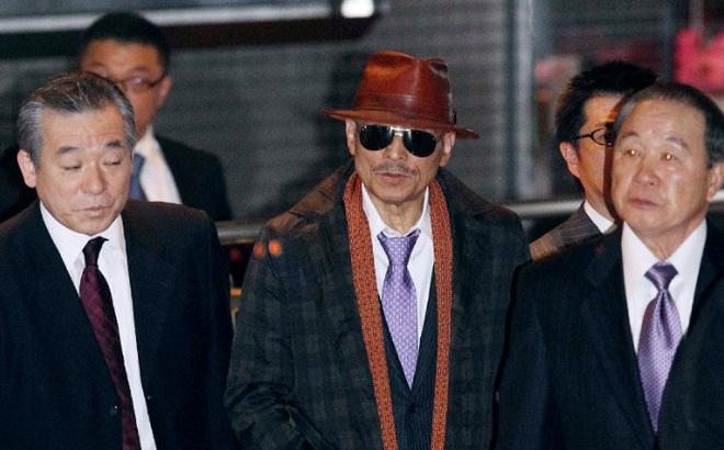Bí ẩn cuộc đời trùm mafia Nhật Bản: Ngày buôn vũ khí, giết người, tối làm thơ  viết truyện