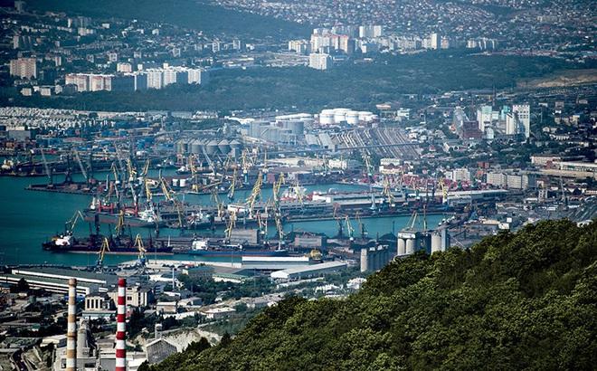 Tổng thống Putin chủ trương không dùng USD tại các cảng biển Nga