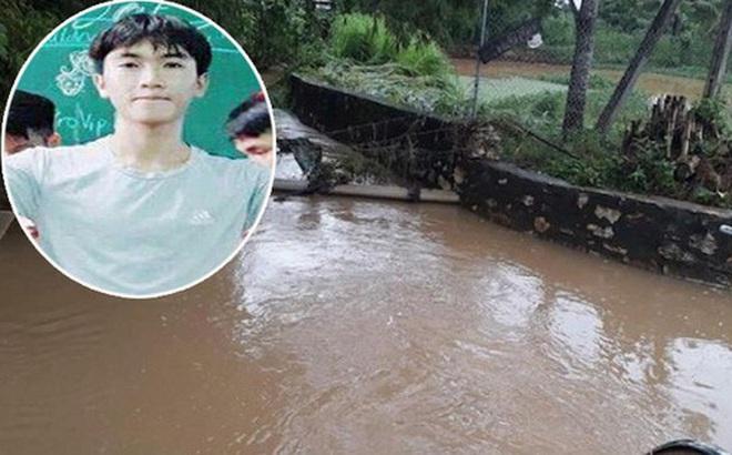 Nghệ An: Nam sinh lớp 12 dũng cảm lao xuống dòng nước cứu người phụ nữ bị lũ cuốn ngất xỉu