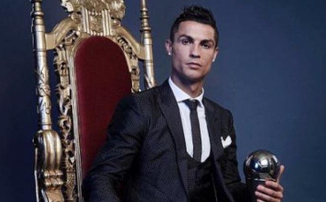 Ronaldo ngồi trên ngai vàng, khẳng định vị trí
