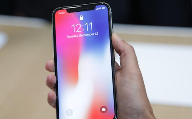 Ấn tượng đầu tiên của người dùng về iPhone X là gì?