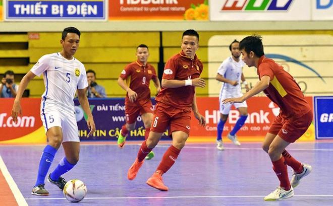 BLV Quang Huy chỉ rõ lý do Futsal Việt Nam thua choáng váng Malaysia