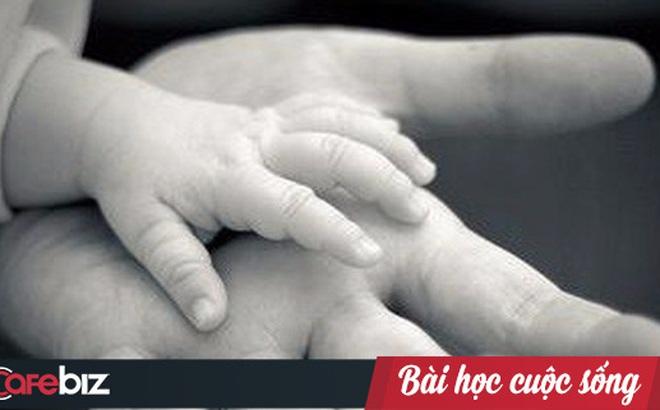 Ba bao gạo mốc xanh của người mẹ tật nguyền và tình yêu thương vô bờ bến dành cho con trai
