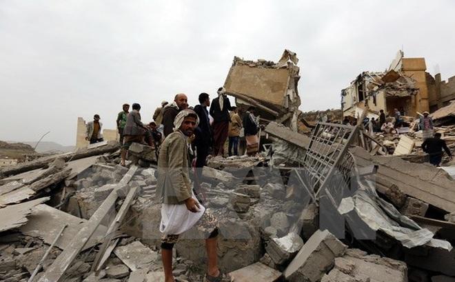 Yemen: Liên quân Arab không kích sân bay ở thủ đô Sanaa