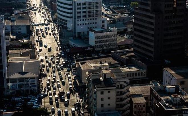 Quân đội Zimbabwe phong tỏa nhiều tuyến đường ở thủ đô Harare